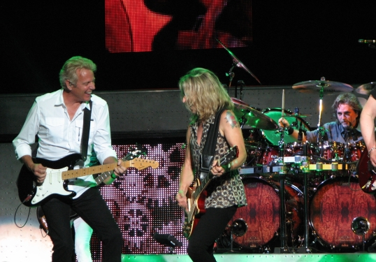 Don Felder performing with Styx.