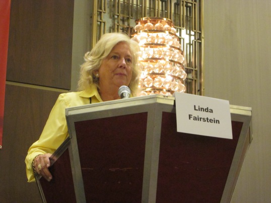 Linda Fairstein discussing going from a day job to being a full-time writer.