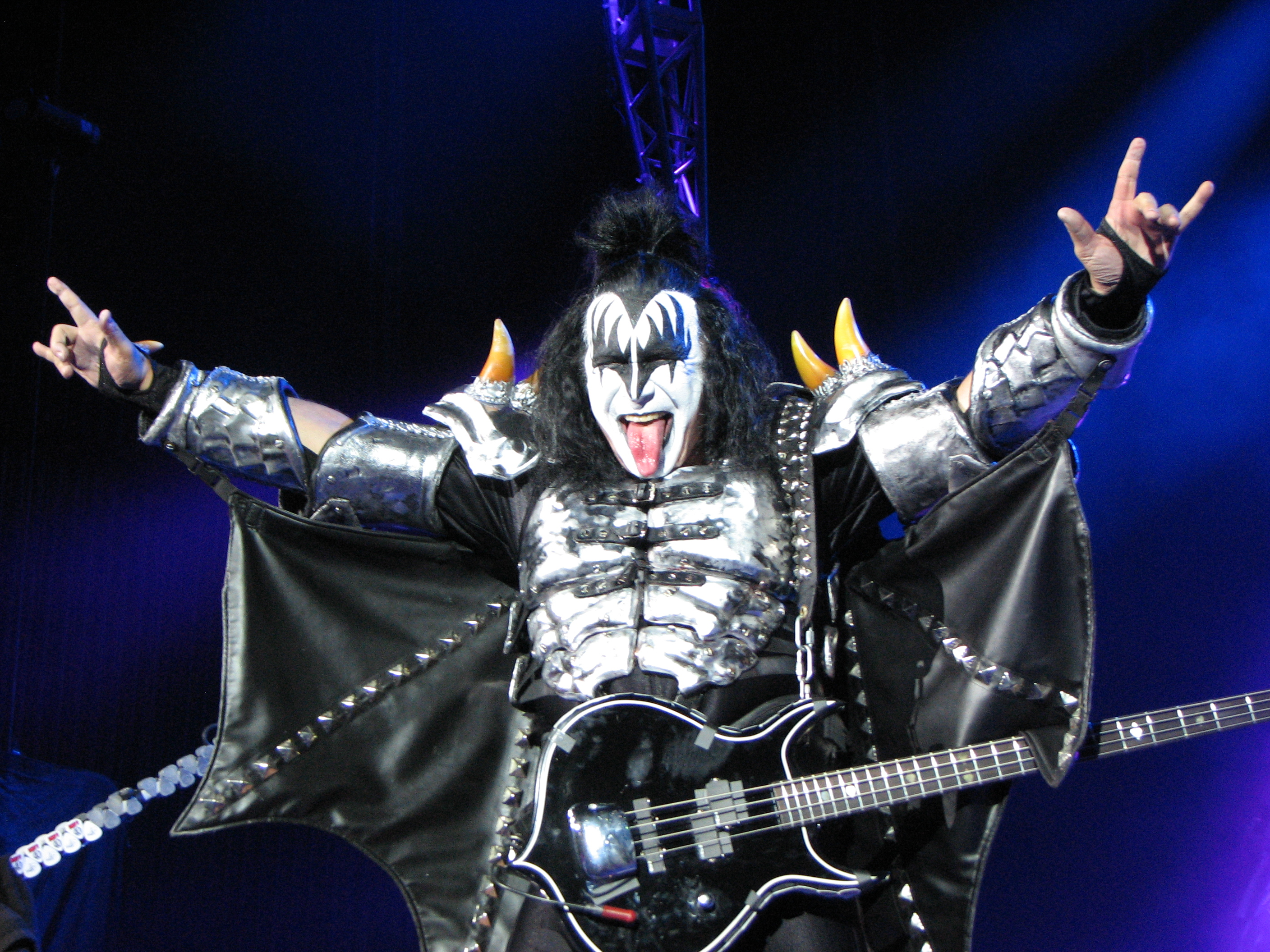 Kiss the best show on earth michael cavacini the setlist for the show was comprised of the kiss classics that fans have come to know and love as well as hide your heart a rare gem from the bands m4hsunfo