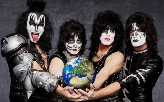 kiss-world-2017