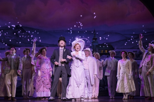 8_Hello-Dolly-National-Tour-Company-–-Photograph-by-Julieta-Cervantes-2019
